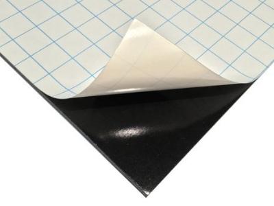 Cartón pluma negro adhesivo
